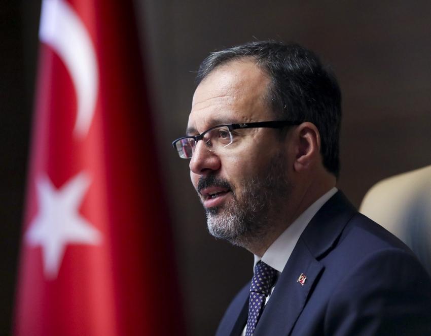 Bakan Kasapoğlu'ndan Yasemin Can'a tebrik