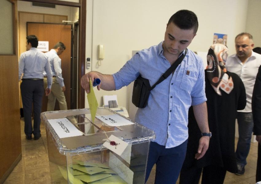 Milano'da seçimlere yoğun ilgi