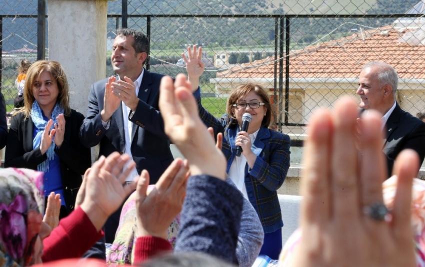 Gaziantep'te Fatma Şahin farklı kazandı