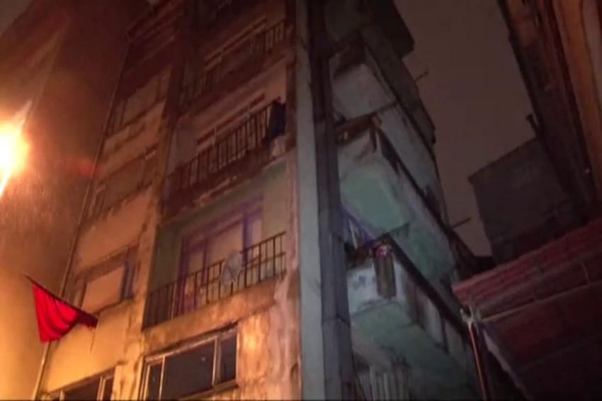 Güngören'de bir bina çökme riski nedeniyle boşaltıldı