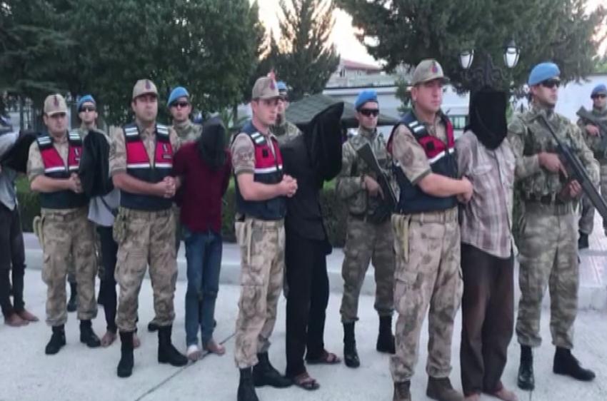 MİT, Suriye'de 9 teröristi yakaladı ile ilgili görsel sonucu
