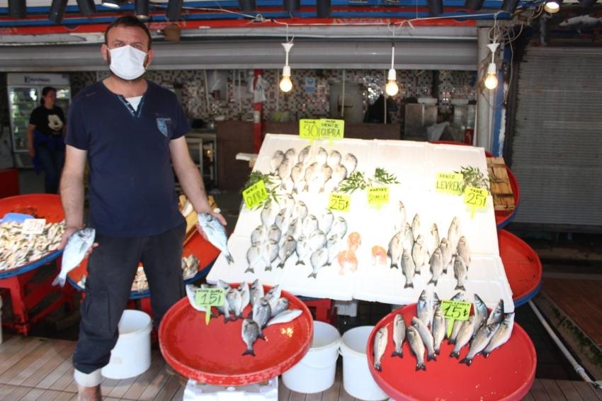 Müsilaj balıkçı esnafını etkiledi