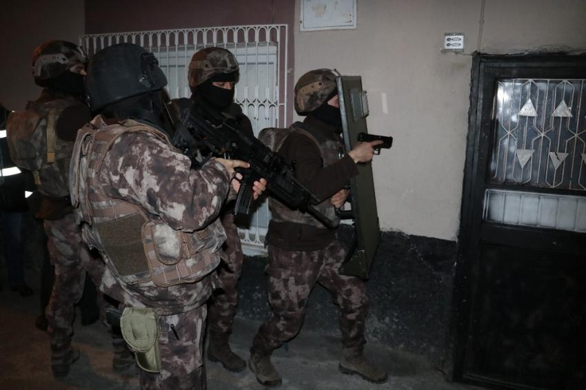 Torbacılara şafak vakti baskın: 8 gözaltı