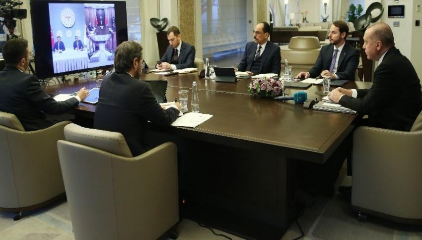 Erdoğan, Bilim Kurulu üyeleriyle telekonferansla görüştü