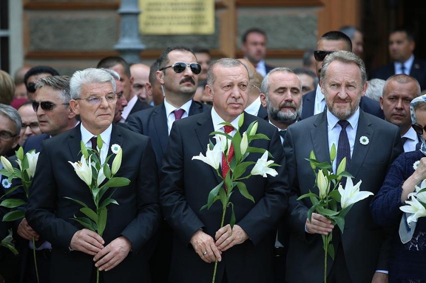 Erdoğan, Srebrenitsa kurbanları anısına düzenlenen anma töreninde
