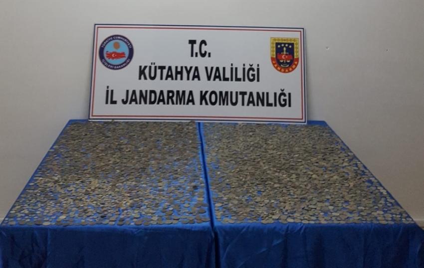 Kütahya'da 10 bin adet sikke ele geçirildi