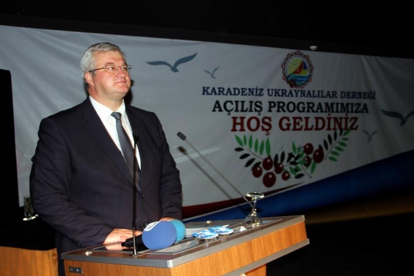 Ukrayna Büyükelçisi Sybina Mevlana'yı örnek aldı