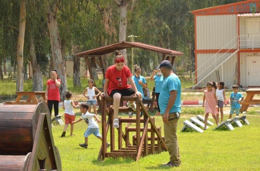 Romanlar gençlik kampında buluştu