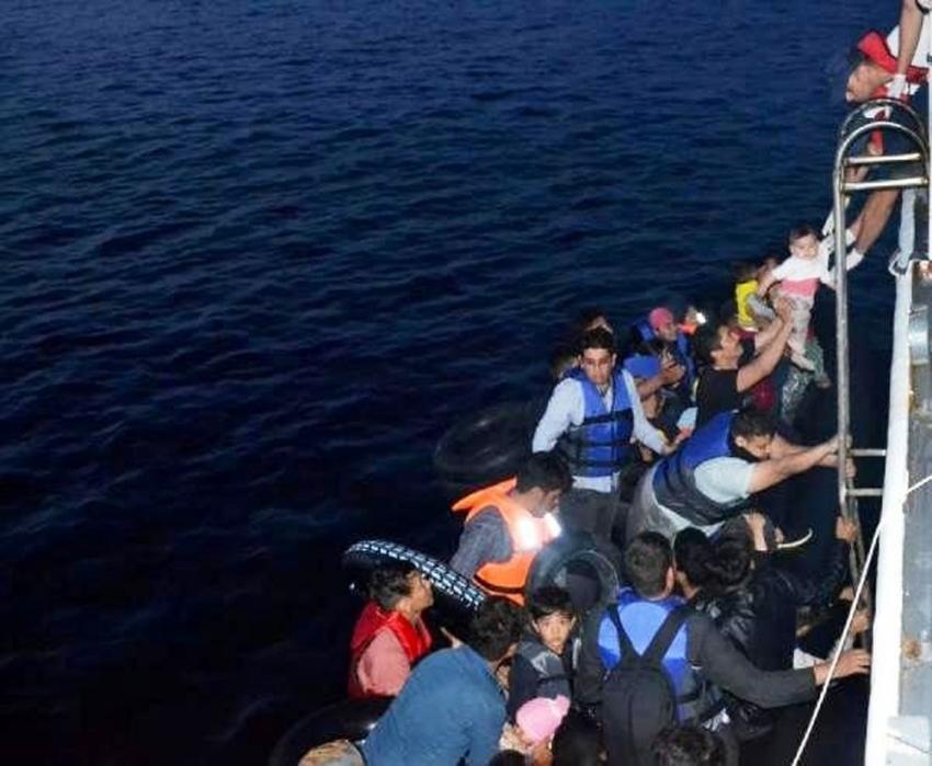 Ayvalık'ta 40 mülteci yakalandı