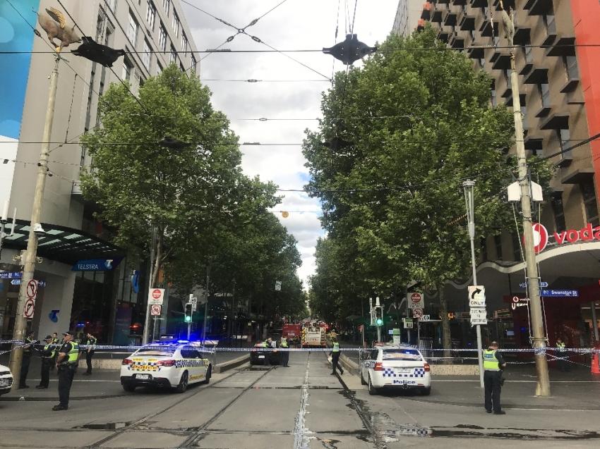 Avustralya'da bombalı saldırgan alarmı
