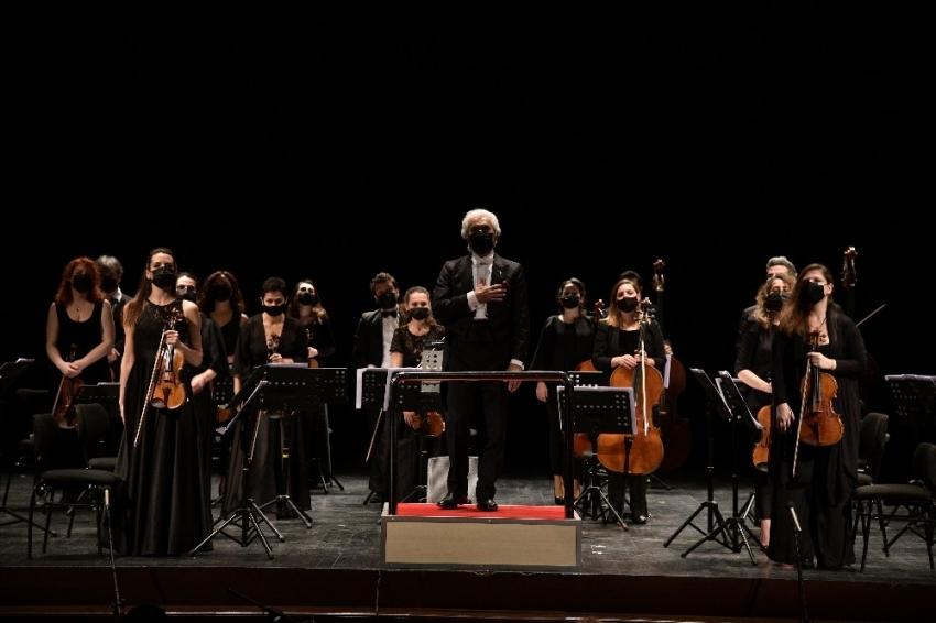 """Orkestra şefi Gürer Aykal, """"Gürültünüzü bile özledik"""""""