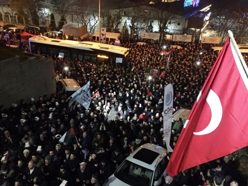 İstanbul'daki ABD Başkonsolosluğu önünde Kudüs protestosu