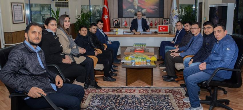 Karacabey'de Ali Özkan'a AK gençlerden ziyaret
