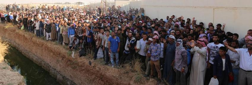 Saldırılardan kaçan 2 bin 800 Suriyeli Türkiye'ye alındı
