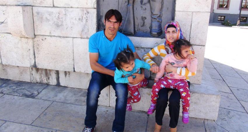 2 çocuğuyla sokakta kalıyorlar