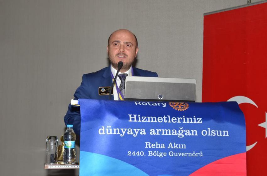 Bademli Rotary'nin konuğu söz yazarı Deniz Erten