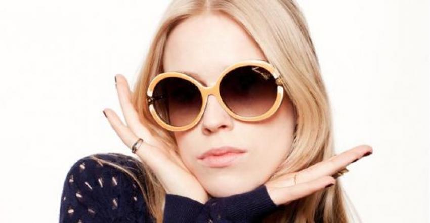 Açık renk güneş gözlüğü kullanmayın!