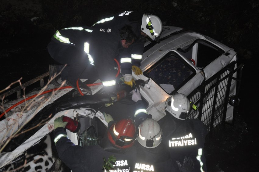 Bursa'da korkunç kaza! Off-road aracı dereye uçtu