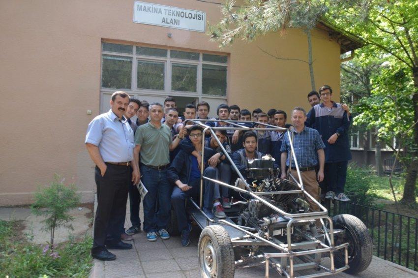 Bursa'da liselilerden 'yerli otomobil'