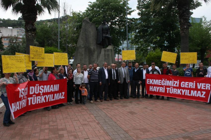 Bursa'da işten çıkartılan işçilerden protesto