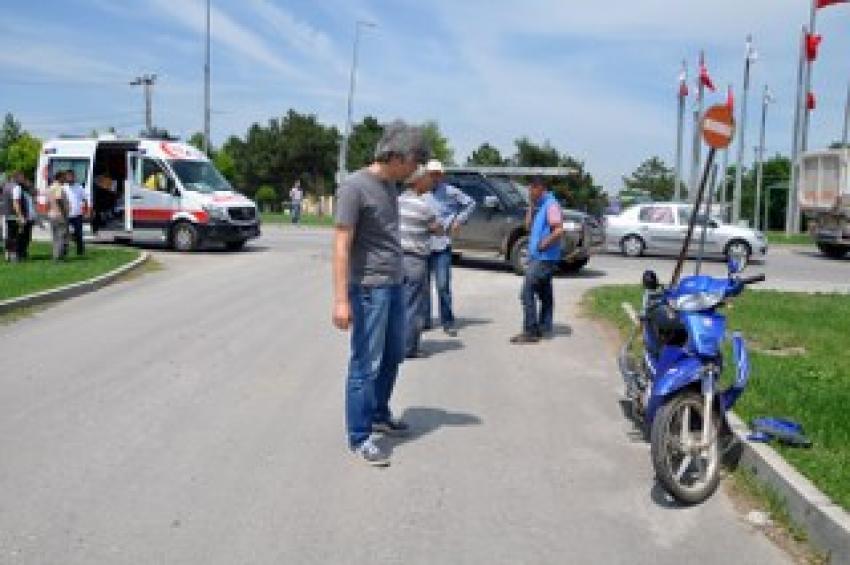 Bursa'da kamyonet ile motosiklet çarpıştı