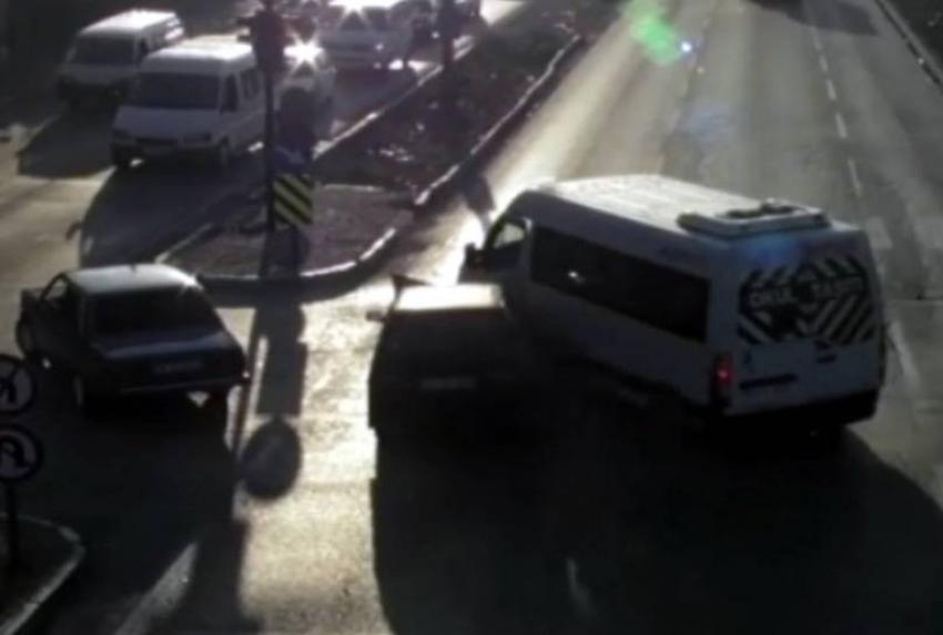 Bursa'da kazalar kameraya yakalandı