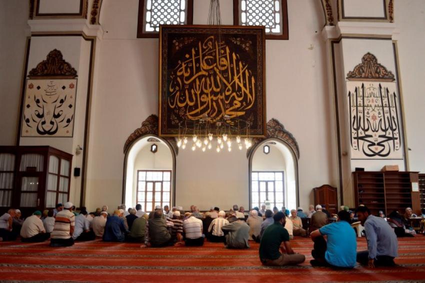 Bursa Ulucami'de 'mukabele' ziyafeti