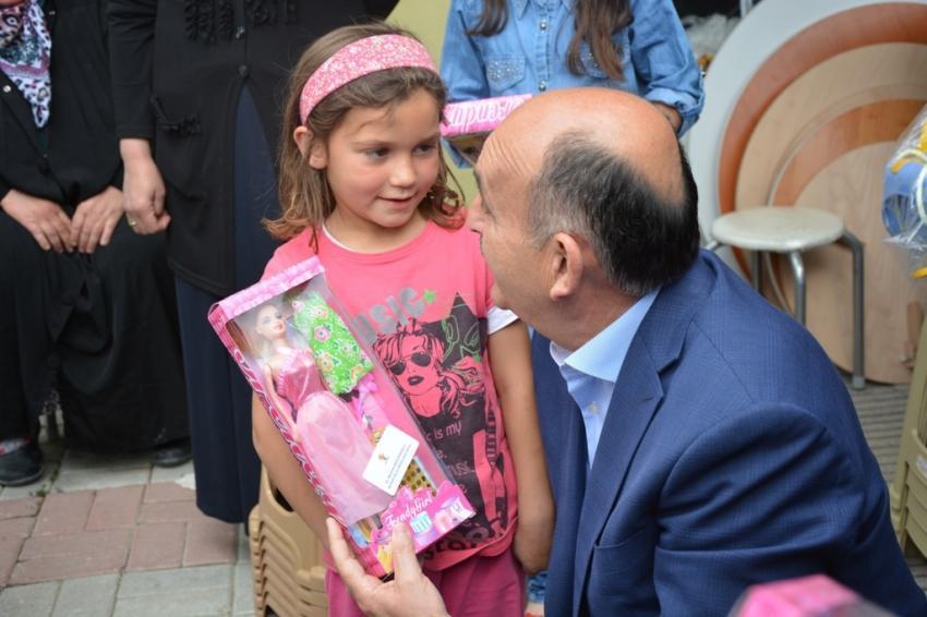 Küçük kız bu lafları ile 'Bakan'ı güldürdü