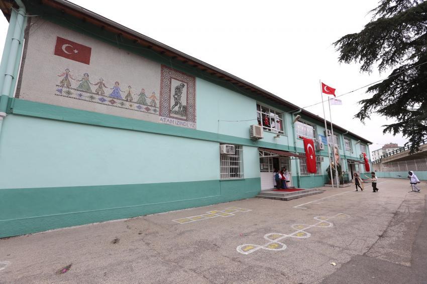 Bursa'da bu okul 50 yıl sonra özgün kimliğine kavuşuyor