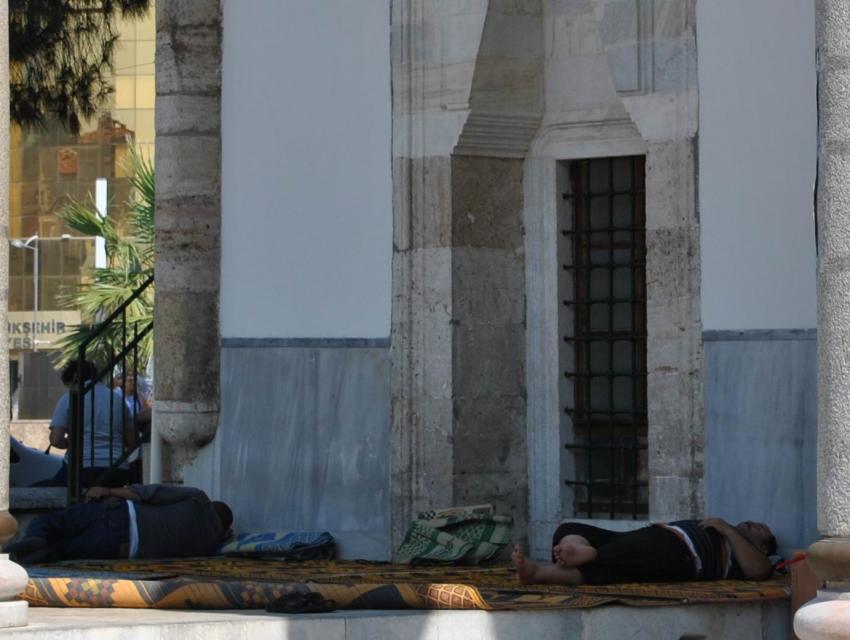 Camiye sığındılar