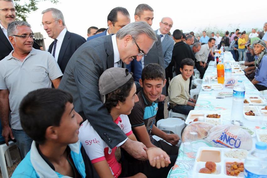 Çadır kentte iftar buluşması