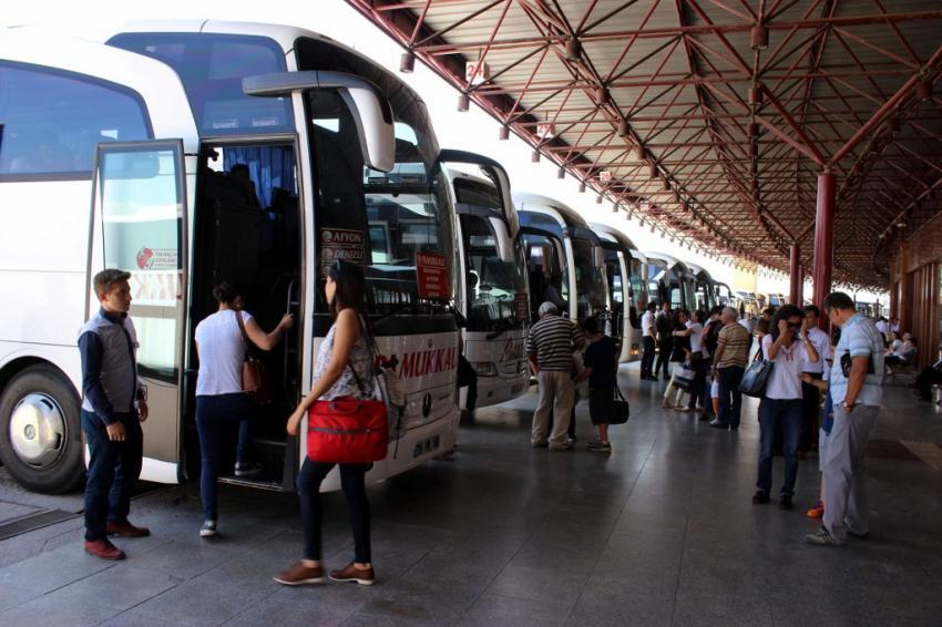 Otobüs firmaları bayram ediyor