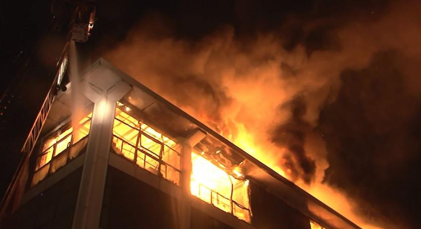 Çocuk hastanesi yanında yangın