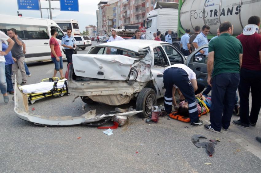 Bursa'da TIR dehşeti! 4 yaralı