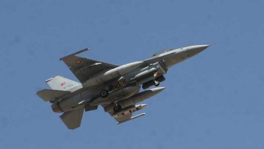 Sınıra yaklaşan Suriye uçağına jet cevap