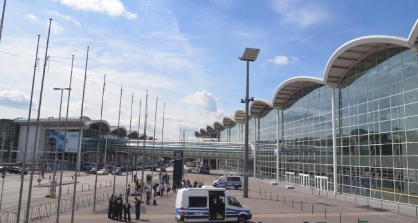 Hamburg Havalimanı kısa süreliğine kapatıldı