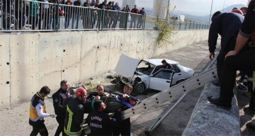 Kayseri'de otomobil kanala uçtu: 1 yaralı