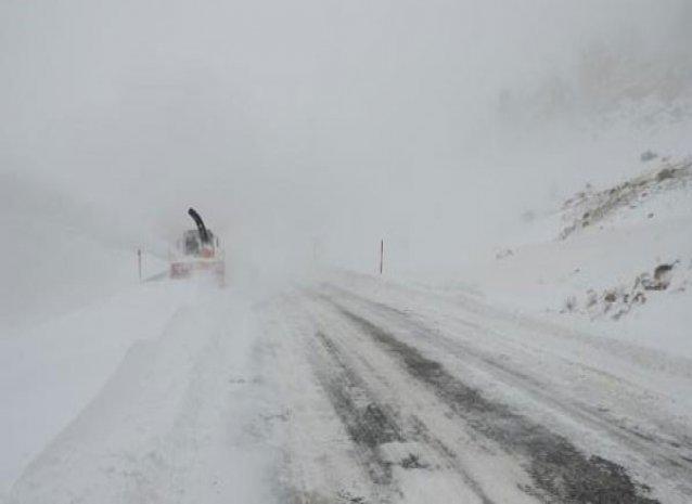 Antalya-Konya karayolu kar nedeniyle kapandı