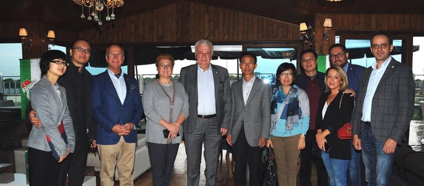 Çin Büyükelçisi'nden Bursaspor'a ziyaret