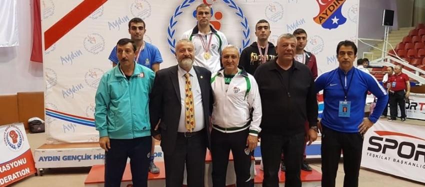 Bursasporlu Erdoğan Türkiye Boks Şampiyonu!