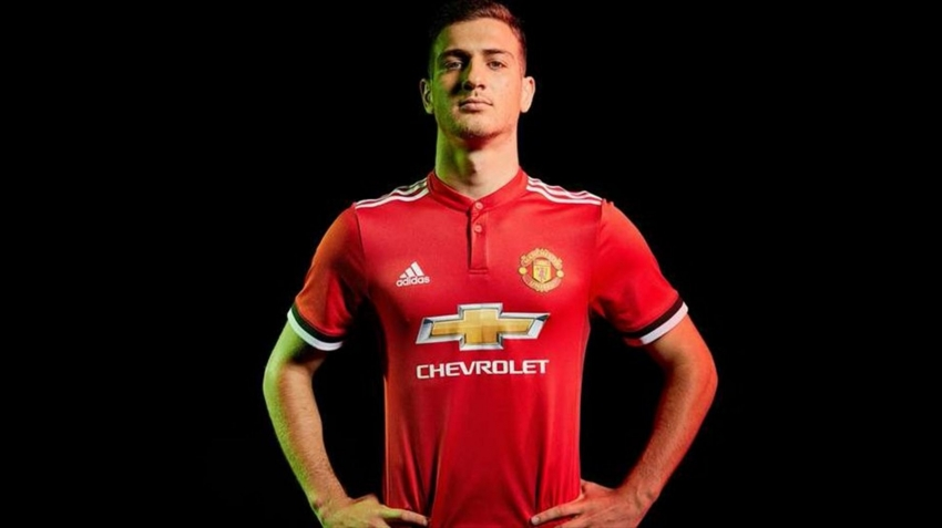 Manchester United'ın ikinci takviyesi sağ beke