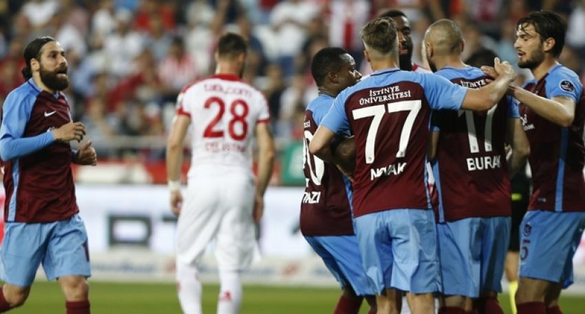 Trabzonspor, Antalya'da kazandı