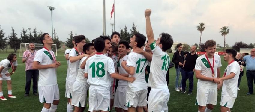 Bursaspor U16 takımı şampiyon oldu