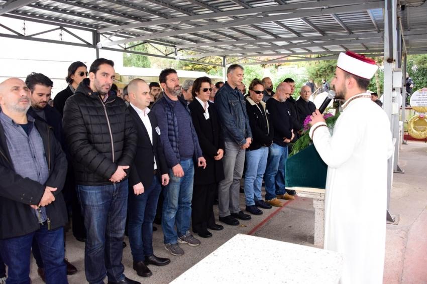 Ünlü oyuncu Mehmet Günsür'un acı günü
