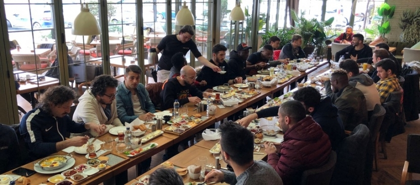 Kahvaltı Ertuğrul Ersoy'dan