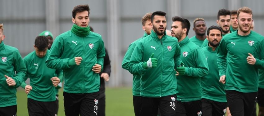 Galatasaray hazırlıkları eksik sürüyor