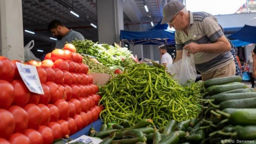 Kısıtlamada 'pazar' çilesi: Az mal, yüksek fiyat