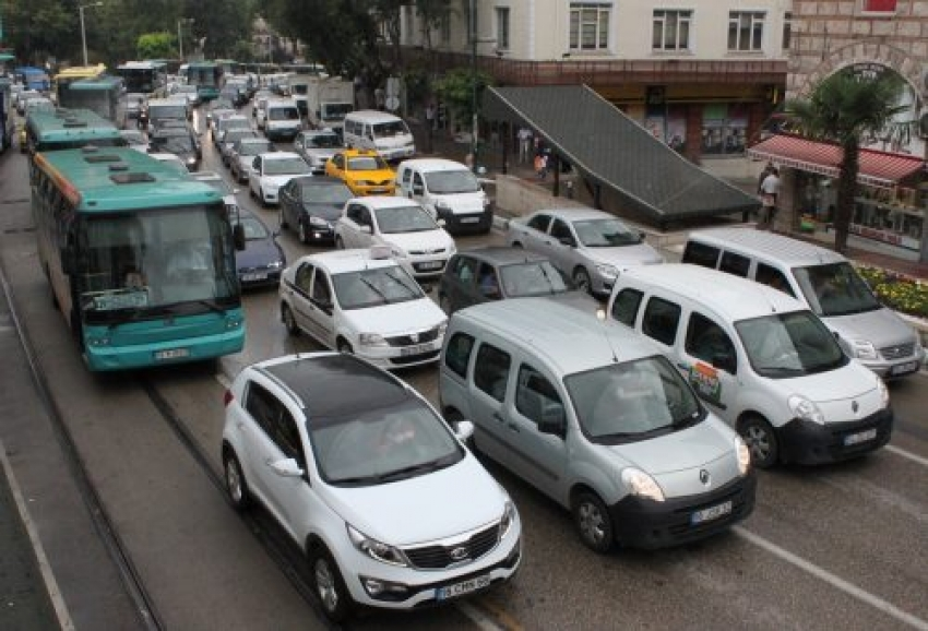 Trafiğe kayıtlı araç sayısı 22 milyona yaklaştı