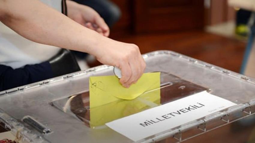AK Parti neden oy kaybetti!