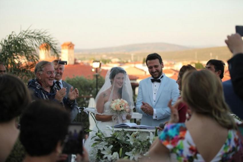 Pis Yedili'nin Orçosu Burak Alkaş evlendi